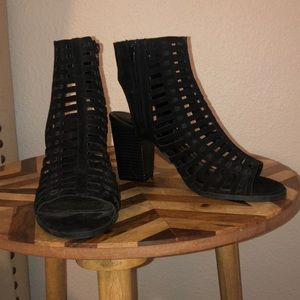 Forever 21 black heel sandal
